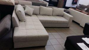 Rugós ülőfelületű praktikus kanapé