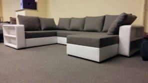 Polcos karfákkal készült divatos kényelmes kanapé