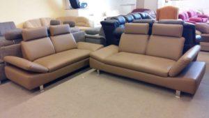 Homok színű, állítható kartámlás kanapé páros