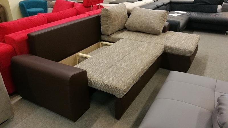 Ágyneműtartós része az ülőfelület alatt található