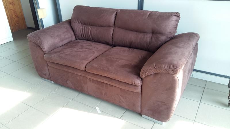 LEANDRA kényelmes kétszemélyes kanapé