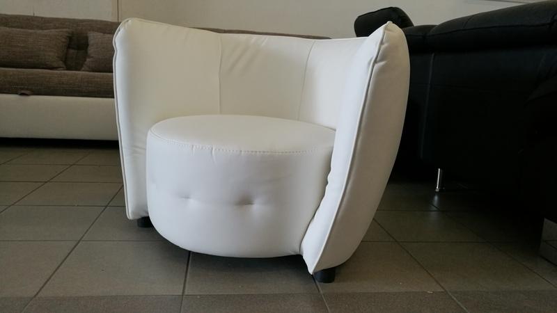 MAYBE elegáns design fotel