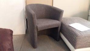 Szürke színű strapabíró szövettel készült kényelmes fotel