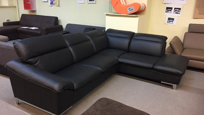 Fekete valódi bőr jobbos állású kanapé