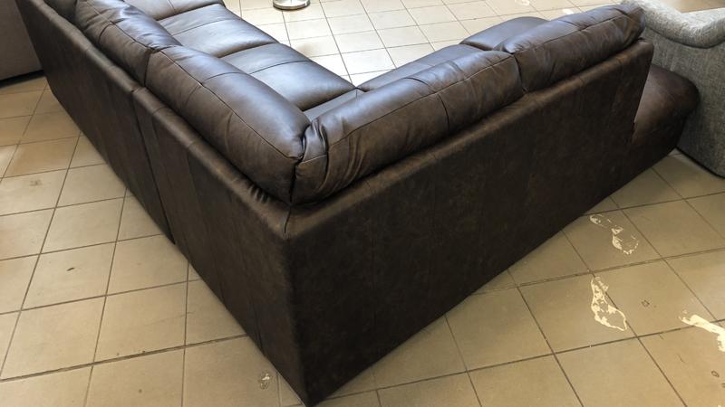 William térben is elhelyezhető L aklakú kanapé,